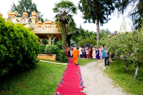 ashram-guru-tempio